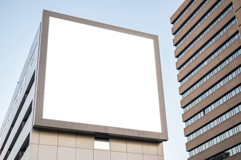 Werbefläche für Großplakate installieren