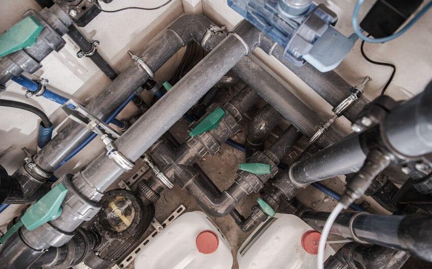 Automatisierung des Chlorgehalts mit Dosierpumpen